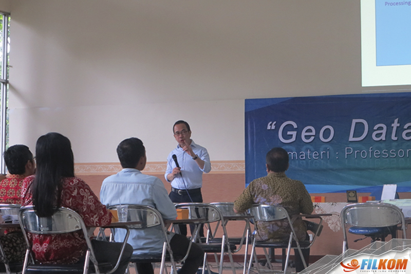 01_Prof_David_Taniar_dalam_Kuliah_Tamu_Geo_Database